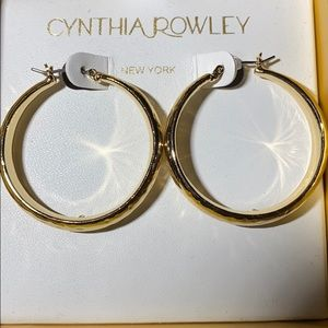 NWT Cynthia Rowley Gold Tone Hammered Hoop Earring